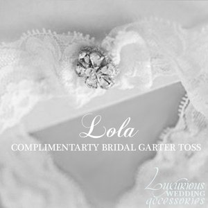 Luxurious Wedding Accessories Lola Complimentary Bridal Toss