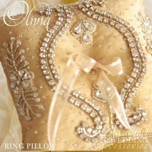 Olivia Ring Pillow Gold