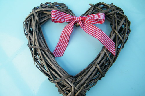 natural christmas decor heart wreath
