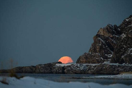 Opkomende maan Noorwegen oktober 2013