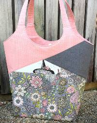 Stand Up and Tote Notice Pattern by Andrie Designs