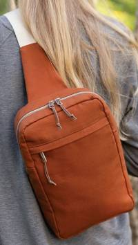 The Sandhill Sling Bag Pattern by Anna Graham of Noodlehead