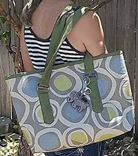 Tuscony Tote Pattern with Yvonne Cabella of Sisters' Common Thread