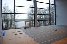 Den tomme sal før opstilling