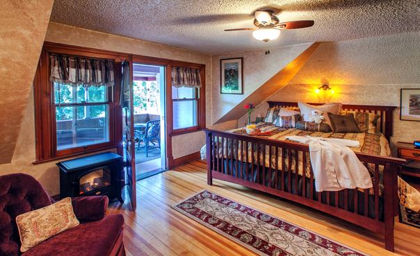 Pikes Peak Suite