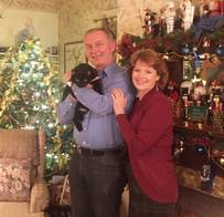 Innkeepers Sallie and Welling Clark and InnCat Mingtoy at Holden House