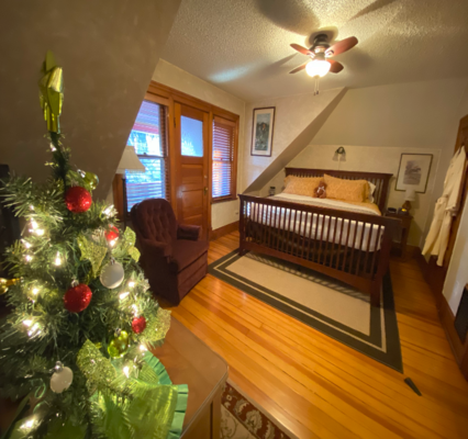 The Pikes Peak suite with Christmas lights